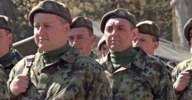 ВОЈНИ СИНДИКАТ СРБИЈЕ ЧЕСТИТАО ВУЛИНУ ДАН ВОЈСКЕ КРИВИЧНОМ ПРИЈАВОМ