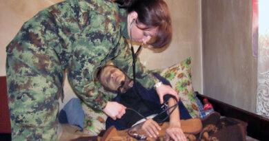 УСВОЈЕНА ИНИЦИЈАТИВА ВОЈНОГ СИНДИКАТА СРБИЈЕ ДА СЕ ПОВЕЋАЈУ ПЛАТЕ И ЗАПОСЛЕНИМА У ВОЈНО-ЗДРАВСТВЕНИМ УСТАНОВАМА